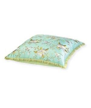 ukrasni jastuci sa stilizovanim rubovima